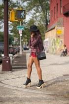 black Jeffrey Campbell heels - black romwe hat - black vintage bag