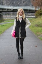 black fur romwe vest
