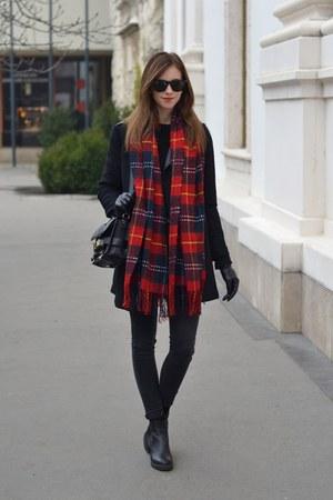 black vagabond boots - black Chicwish coat - black Topshop jeans