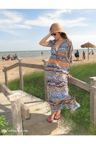 blue caftan Romeo & Juliet Couture dress - camel floppy hat H&M hat