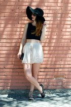black Stradivarius shoes - beige BLANCO skirt