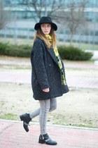 gray Mango coat - black Zara boots - black Zara hat