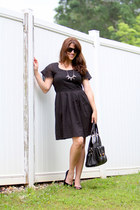 black Gap dress - black Guess pumps