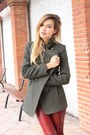 Black-zara-shoes-dark-green-mango-coat-white-zara-top