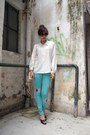 Vintage-shirt-white-chanel-bag-black-h-m-wedges-turquoise-blue-aic-pants