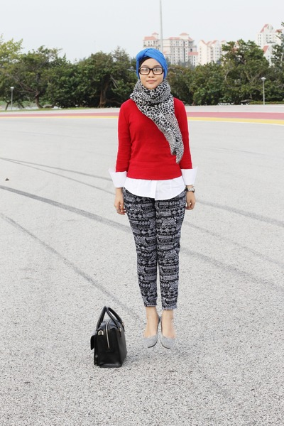 red jumper - blue scarf - dark gray pants - silver flats