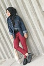 Black-shoes-navy-jacket-maroon-pants