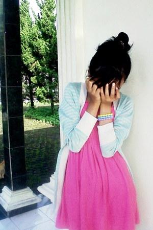 bubble gum handmade dress - strawberry bracelet - cein cardigan