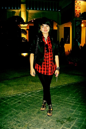 red buffalo plaid shirt - black biker tracyeinnycomsg jacket