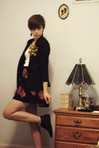 vintage blazer - f21 skirt - vintage from Ebay boots - accessories - Hanes vest