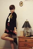 vintage blazer - f21 skirt - vintage from Ebay boots - accessories - Hanes vest
