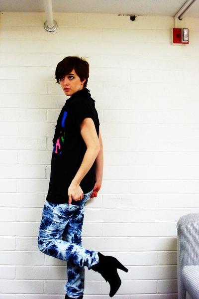 grane jeans - walmart boots - Goodwill t-shirt - DIY scarf