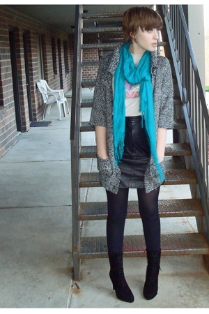 Express scarf - forever 21 sweater - thrifted t-shirt - thrifted skirt - Nine We