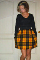 yellow Out of Order Apparel skirt - black Target top