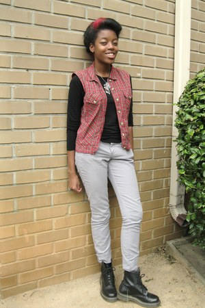 Dr Martens boots - Old Navy pants - Guess top