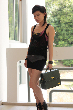 accessories - green bag BagAge accessories - black shoes - gray supre skirt