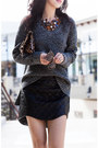 Faux-leather-cameo-skirt-black-skirt-steve-madden-boots-gray-sweater