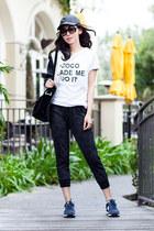 Sheinside t-shirt - New Balance sneakers