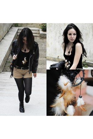 Dreamcatcher accessories - black Dr Martens boots - black biker jacket jacket