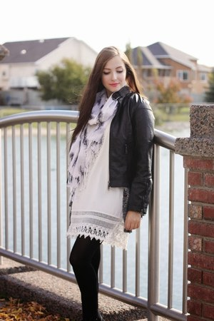 white awwdore dress - off white Happy Scarf scarf