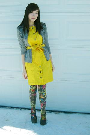 gold Bebe dress - gray H&M tights
