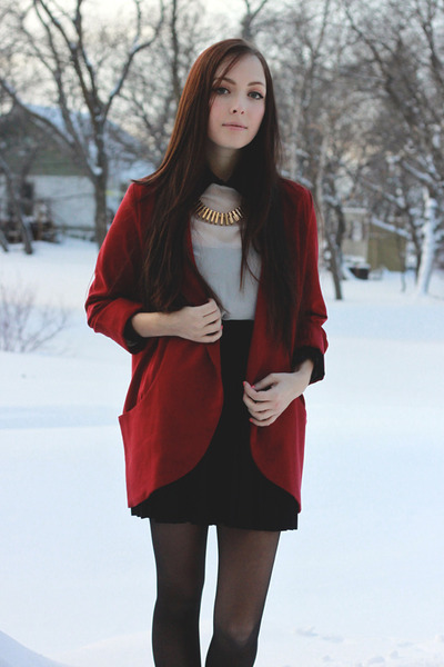 ruby red urban behavior blazer - gold merrin & gussy necklace