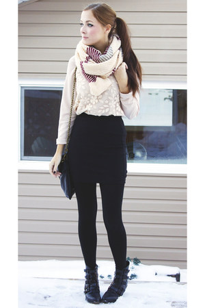 crimson yubsshop scarf - off white awwdore blouse