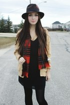 dark brown Forever 21 hat - brick red Joe Fresh scarf