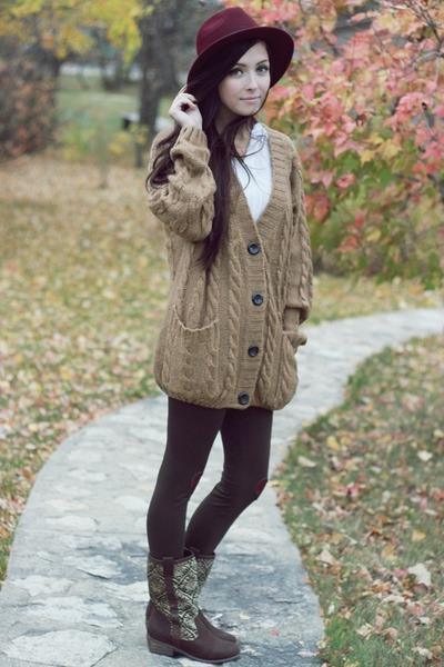 Lulus-boots-forever-21-hat-romwe-sweater-flattery-leggings