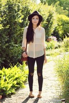 cream shopakira top - black Forever 21 hat - navy Flattery leggings