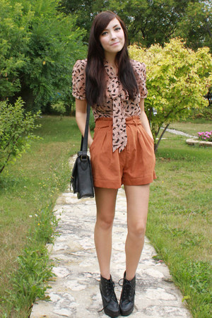 orange romwe shorts - light pink romwe top