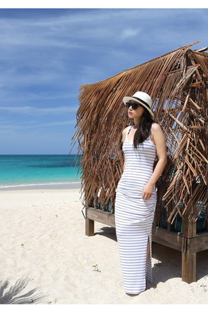 Victorias Secret dress - JCrew hat - vintage sunglasses - Tahari sandals