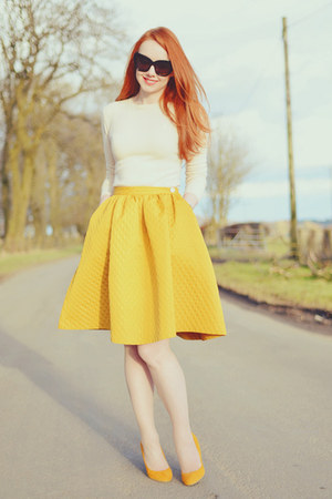 mustard H&amp;M skirt - mustard Topshop heels