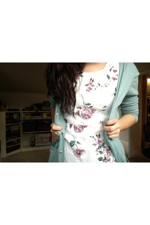 white floral print thrifted vintage dress - light blue coton ann taylor cardigan