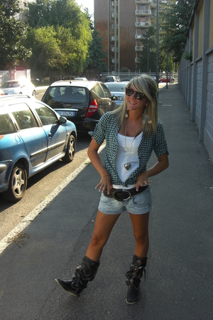 Bershka shirt - intimissimi top - Bershka shorts - SUBWAY belt - HECTOR boots -