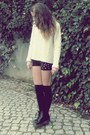 Black-boots-cream-jumper