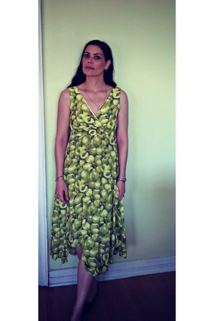 chartreuse chicnova dress