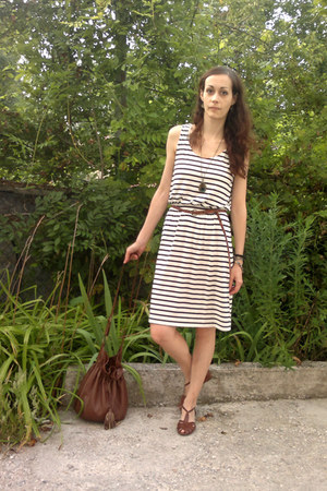 off white striped H&M dress - brown H&M bag - brown leather sandals
