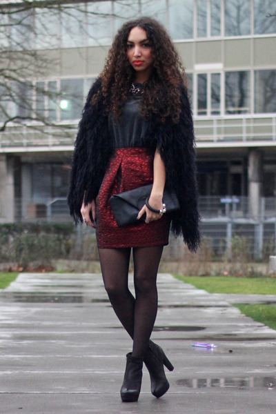 black Maruti boots - black AnaMar bag - black Modemusthaves cardigan