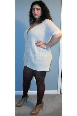 booties Nine West heels - oversized Old Navy sweater