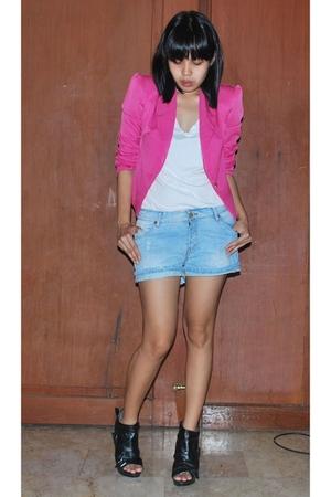 Zara t-shirt - Zara shorts - boots - styledistrictmultiplycom blazer