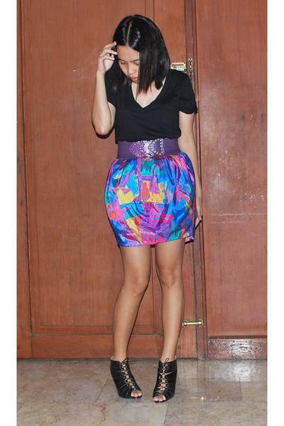 Zara black basic shirt - Zara purple elastic belt - Poisonberry skirt - black sh