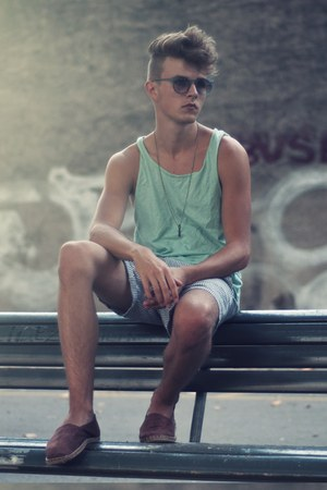 H&M top - aa shorts - asos sunglasses