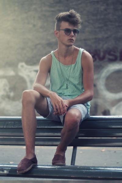 H&M top - aa shorts - asos sunglasses