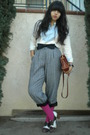 Beige-ralph-lauren-shirt-black-bow-accessories-gray-pants-pink-tights-br