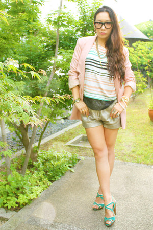 Forever 21 t-shirt - light pink Vero Moda jacket - silver maison scotch shorts