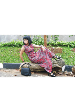 long dress no brand dress - no brand bag - leather snake Yongki Komaladi heels