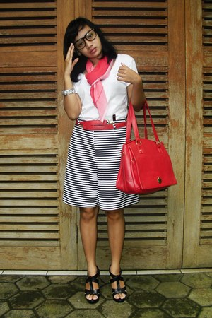 cult shirt - moms scraf scarf - learher no brand made in Indonesia bag - Secondh