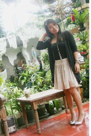 Mango skirt - Dorothy Perkins shoes - Guess necklace - The Ramp cardigan