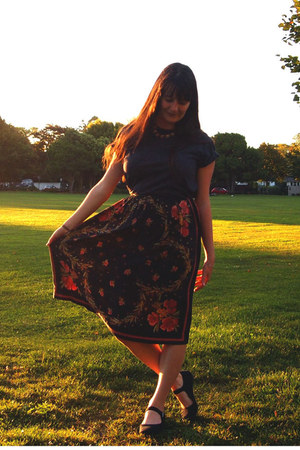carrot orange vintage skirt - dark gray boyfriends t-shirt - black Chinatown fla